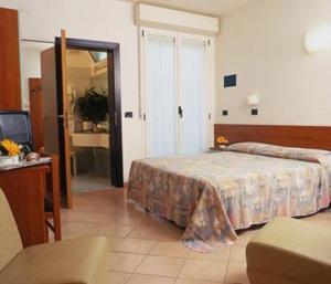 Hotel Numi & Medusa, Отели  Чезенатико - big - 2