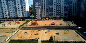 (Apartment Bazhenova 13)