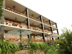 Naina Resort and Cottages