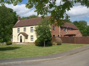 Норидж - Church Farm Guest House