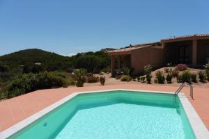 House Mavi, Vily  Costa Paradiso - big - 24