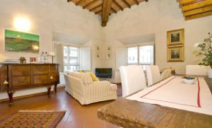 The Dome And One Hundred Windows, Apartmány  Florencie - big - 13