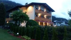 Sillian Hotels