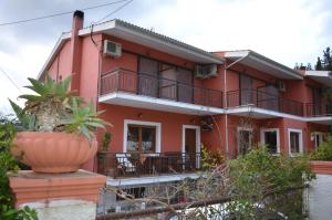 Ilias Apartments, Ypsos