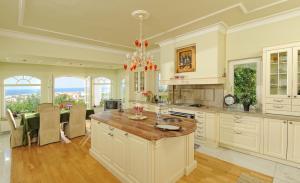 Villa Iris Luxury House, Vily  Malia - big - 2