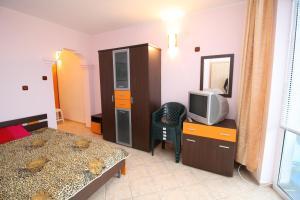 Dimovi Apartment, Apartmanok  Csernomorec - big - 9