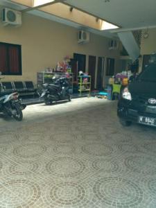 Naga Homestay, Alloggi in famiglia  Kudus - big - 7