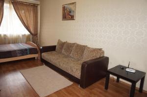 Day Apartments na Prospekte Oktyabrya