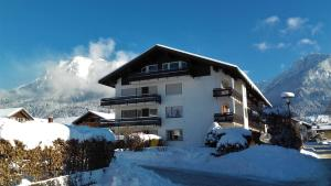 Alpenflair Ferienwohnungen Whg 202, Apartmány  Oberstdorf - big - 14