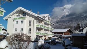 Alpenflair Ferienwohnungen Whg 301, Apartments  Oberstdorf - big - 5