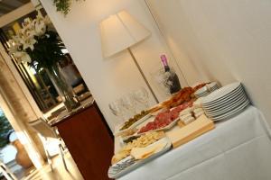 Hotel Touring, Hotely  Lido di Jesolo - big - 88