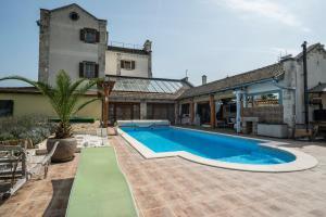 Villa Malom Luxury Resort