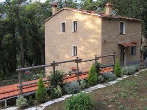 La Casina nel Bosco, Bed & Breakfasts  Azzano - big - 17