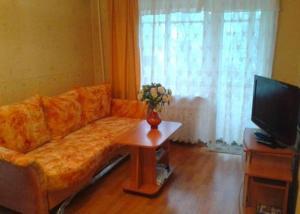Apartments on Chernyakhovskogo 68
