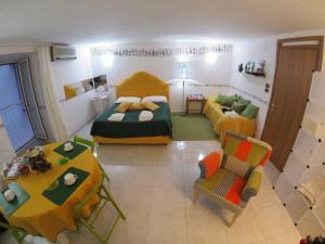 Neapolitan-style Apartment 2