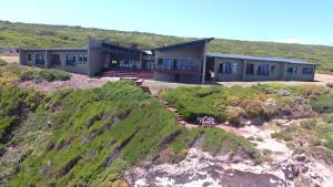 Farmhouse On The Rocks