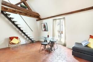 Short Stay Apartment Picasso