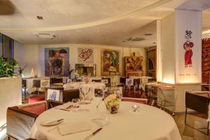Hotel Waldorf- Premier Resort, Hotely  Milano Marittima - big - 89