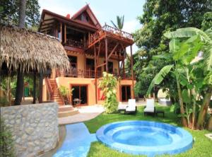 7 Bedroom Seafront Villa Phanghan