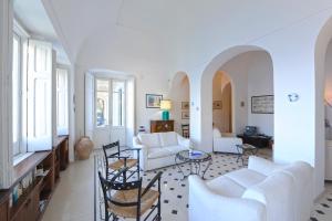 Villa Smeraldo, Ferienhäuser  Ravello - big - 4