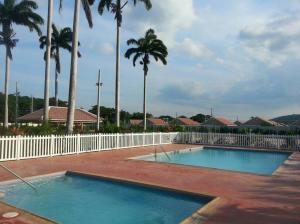 caymanas estate AJ Guest house, Holiday homes  Caymanas - big - 5