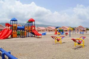 caymanas estate AJ Guest house, Holiday homes  Caymanas - big - 9