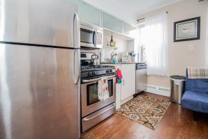 Two Bedroom Apartment in Downtown Boston by STARS of Boston