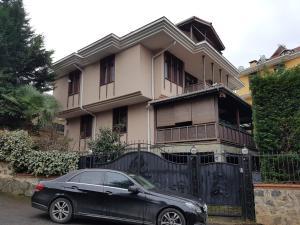 Silam Garden Suit House