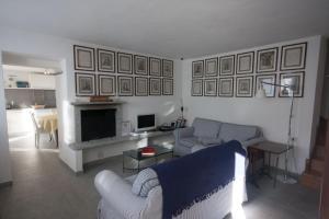Agriturismo Castello di Vezio, Апарт-отели  Варенна - big - 48