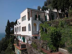 Villa Smeraldo, Ferienhäuser  Ravello - big - 11