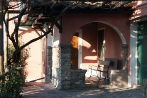Agriturismo Castello di Vezio, Апарт-отели  Варенна - big - 14