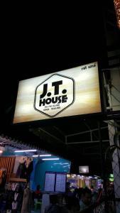 obrázek - J.T. House