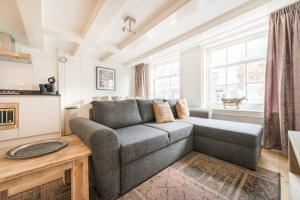 Cozy Jordaan Apartment 49