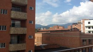 Habitaciones en Medellín (Apartahotel Ferjaz), Vendégházak  Medellín - big - 87