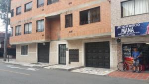 Habitaciones en Medellín (Apartahotel Ferjaz), Vendégházak  Medellín - big - 97