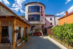 Гостевой дом на Самбурова 211