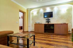 Home Hotel Apartments on Kontraktova Ploshcha - фото 3