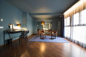 A Picture of Pamplona Catedral Hotel
