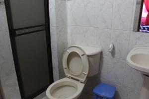 Habitaciones en Medellín (Apartahotel Ferjaz), Vendégházak  Medellín - big - 126