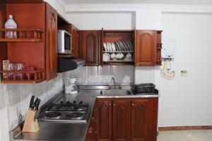 Habitaciones en Medellín (Apartahotel Ferjaz), Vendégházak  Medellín - big - 132