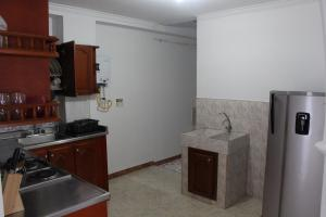 Habitaciones en Medellín (Apartahotel Ferjaz), Vendégházak  Medellín - big - 131