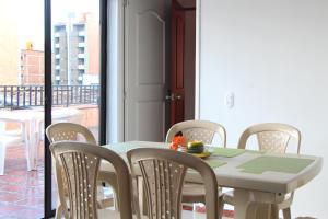 Habitaciones en Medellín (Apartahotel Ferjaz), Vendégházak  Medellín - big - 105
