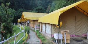 Offthecity Camp Kyar, Luxury tents  Shimla - big - 1