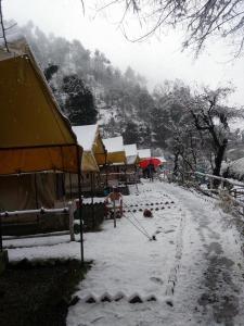 Offthecity Camp Kyar, Zelt-Lodges  Shimla - big - 12
