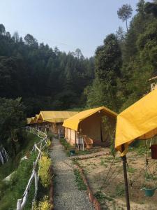 Offthecity Camp Kyar, Zelt-Lodges  Shimla - big - 46