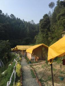 Offthecity Camp Kyar, Luxury tents  Shimla - big - 46