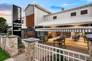 Potters Toowoomba Hotel