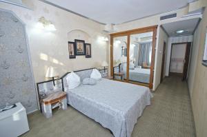 Hotel Brancusi, Hotely  Târgu Jiu - big - 12