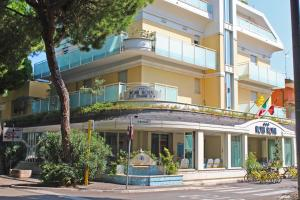 Hotel Royal, Hotels  Misano Adriatico - big - 21