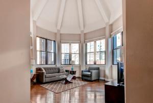 Bluebird Suites at Garrison Square, Apartments  Boston - big - 1